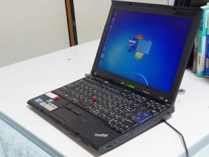 僕が所有している中古パソコンのThinkPad X201。2年使っていますが故障知らず(*ゝω・)
